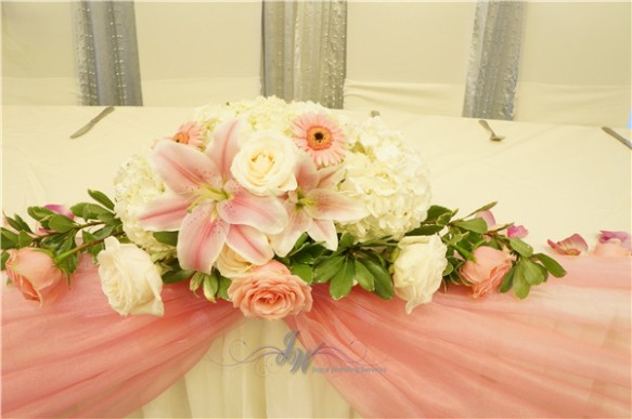 fresh-flower-arrangement-pink-white-roses-calla-lily
